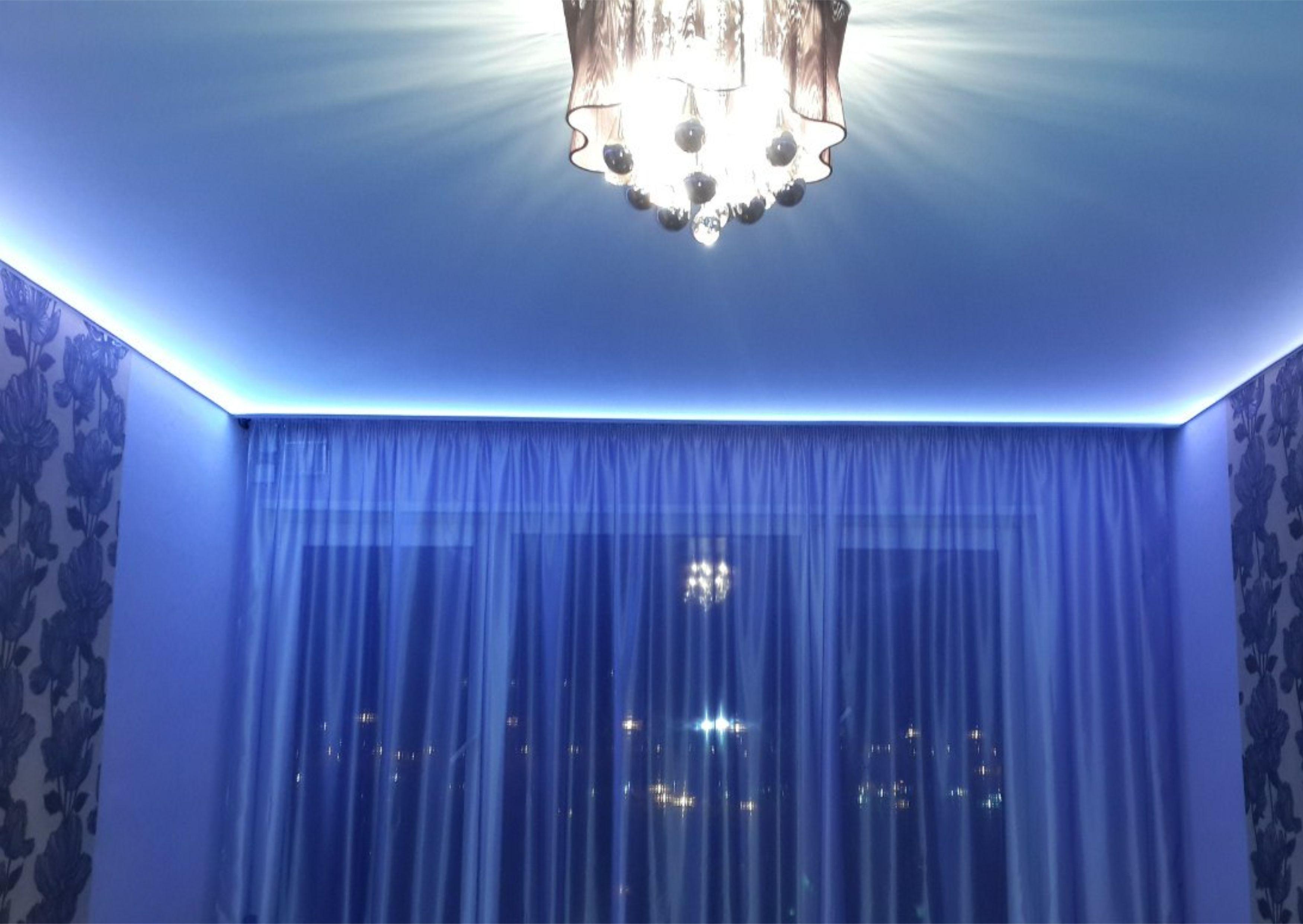 натяжной потолок с подсветкой честными ценами